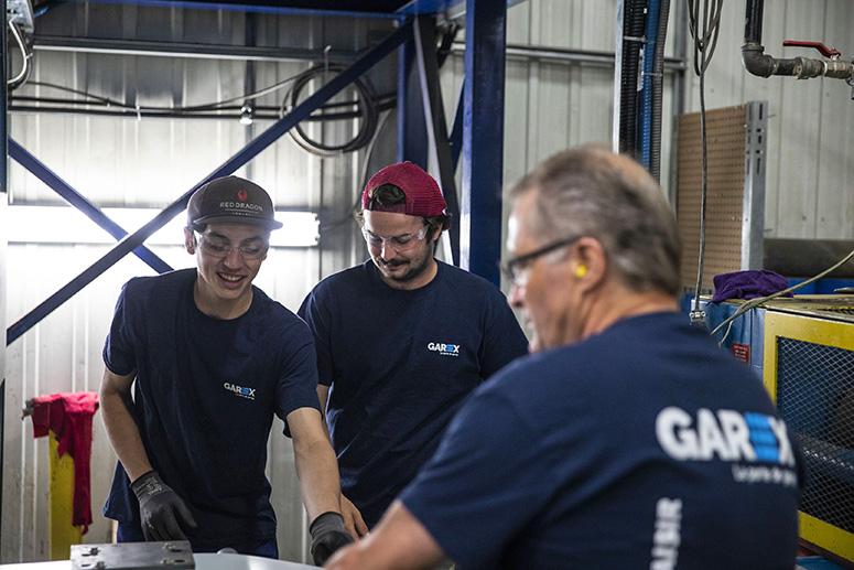 job-acier-equipe-garex-carriere